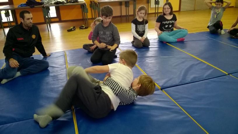 Enfants - Ecole - Lutte (2)